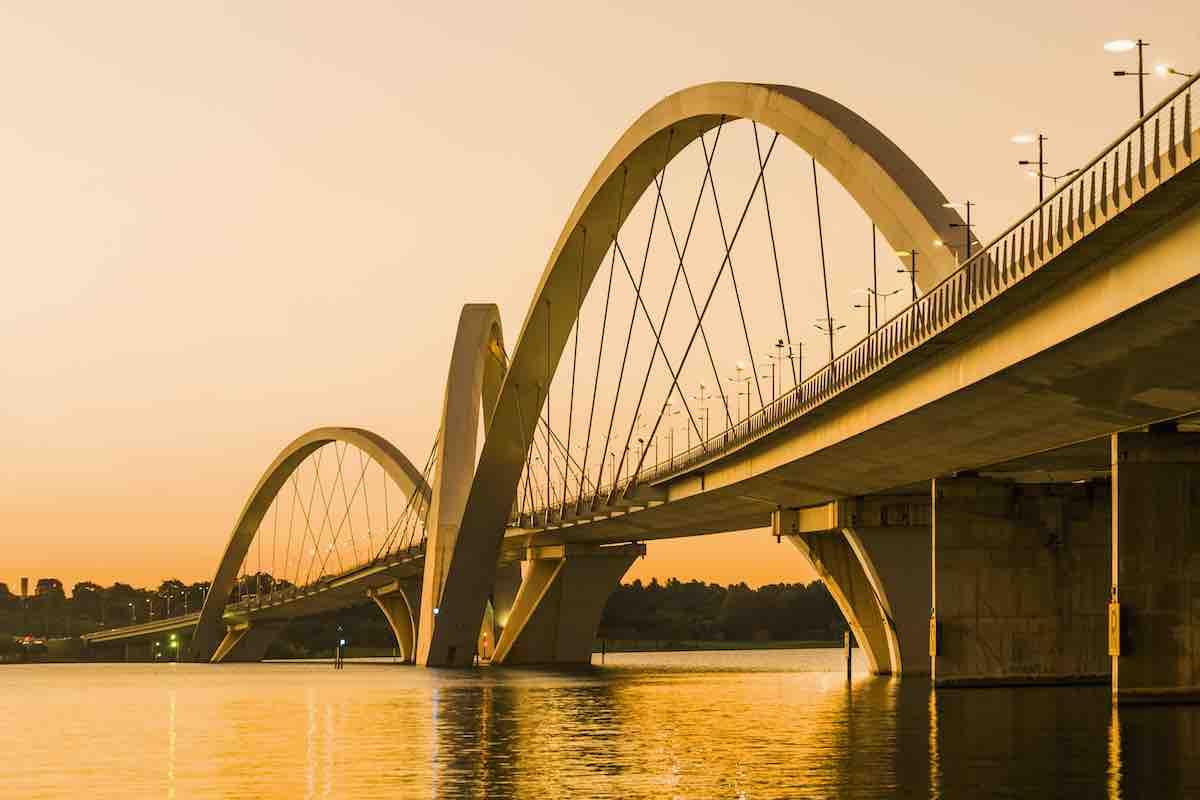 Foto de ponte em Brasília.