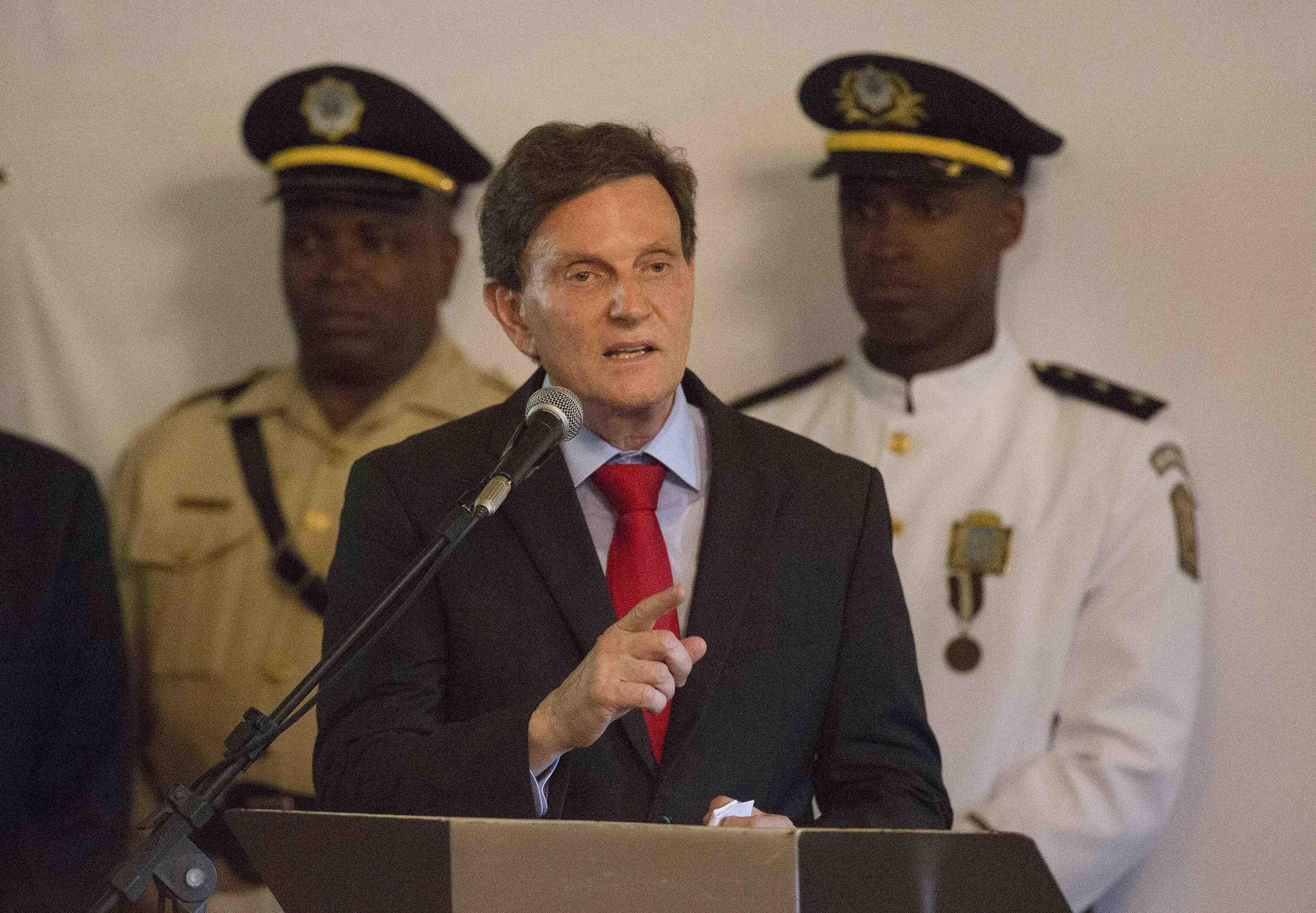 Marcelo Crivella, prefeito do Rio de Janeiro, discursando durante cerimônia.