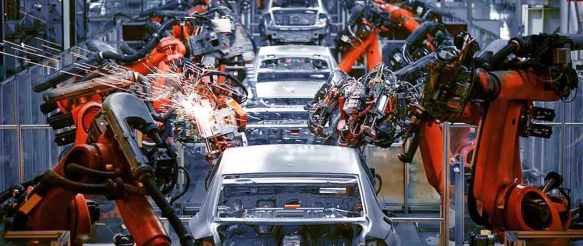 Linha de montagem de carros.