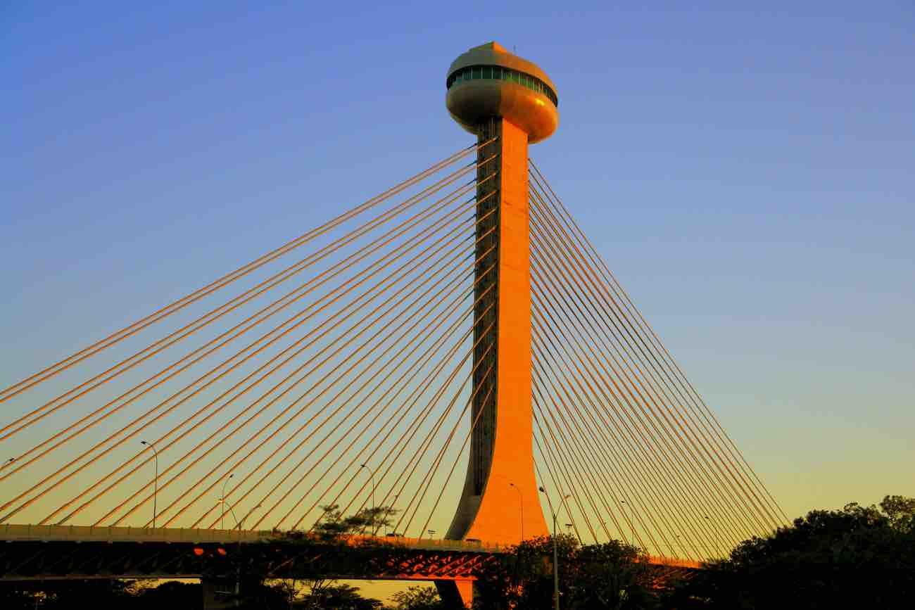 Foto de ponte em Teresina, no Piauí.