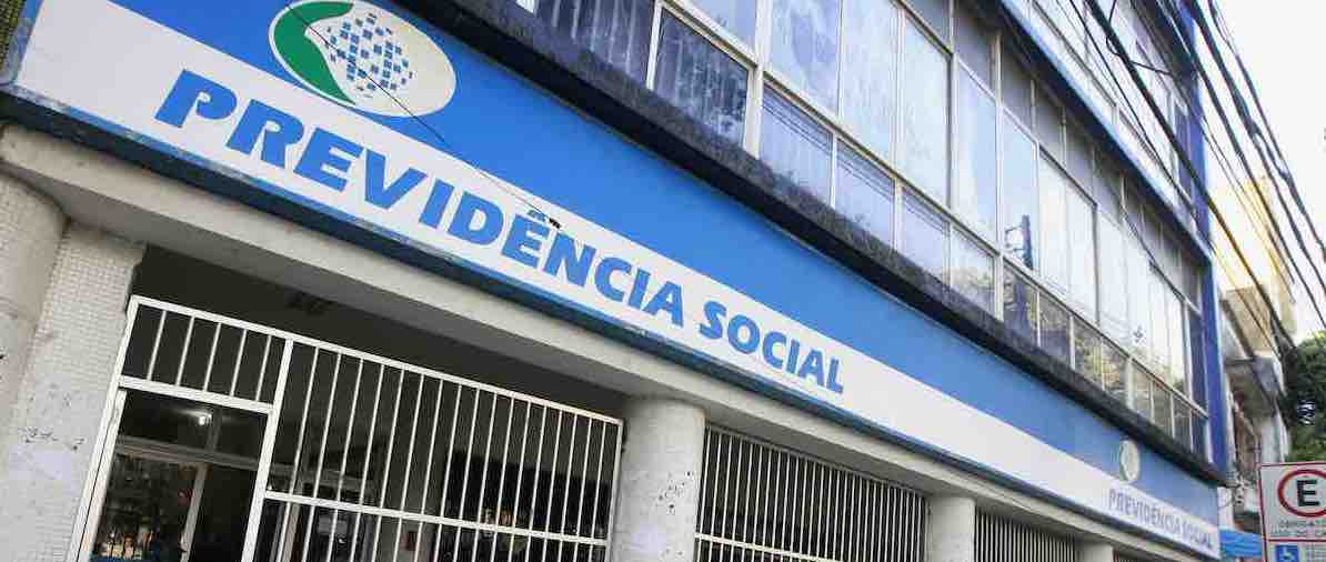 Fachada de prédio da Previdência Social.