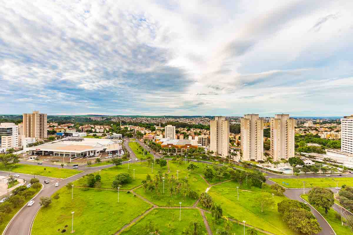 Foto aérea de Ribeirão Preto, interior de São Paulo.